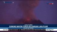 Gunung Mayon di Filipina Meletus