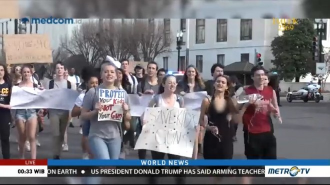 US High School Student Protest Gun Violence