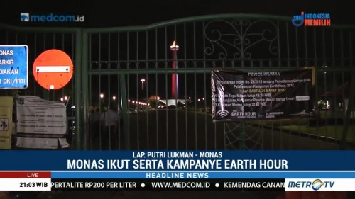 Suasana Earth Hour di Monas