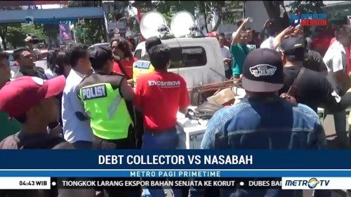 Debt Collector Serang Demonstran di Surabaya