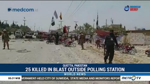 25 Killed in Blast Outside Pakistan Polling Station