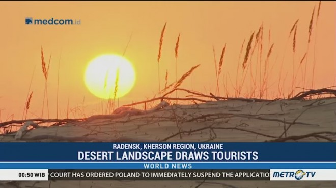 Desert Landscape Draws Tourists