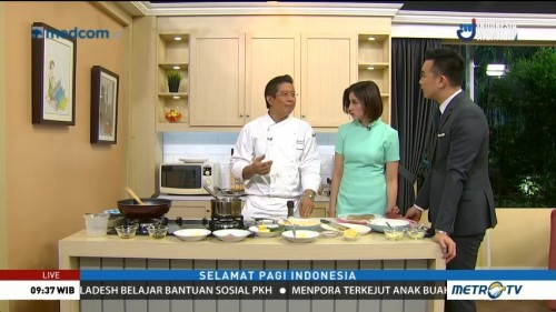 Cooking with Chef Handry: Dada Ayam Isi Daging Asap dan Keju (1)