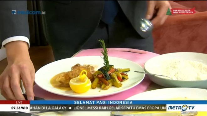 Cooking with Chef Handry: Dada Ayam Isi Daging Asap dan Keju (2)