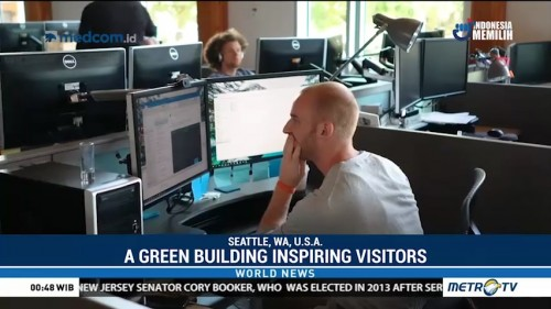 A Green Building Inspiring Visitors