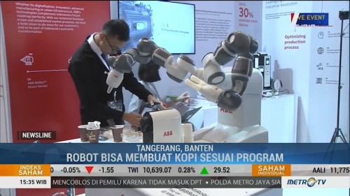 Robot Pembuat Kopi Curi Perhatian di Indonesia Industrial Summit
