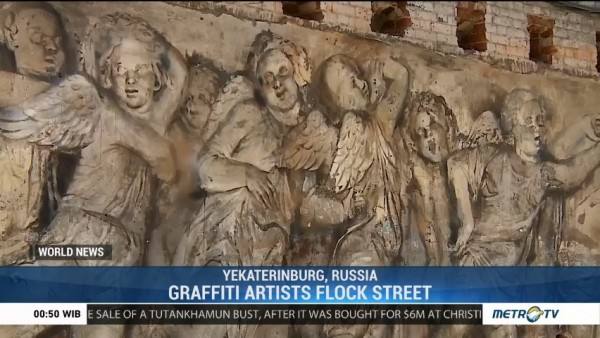 Graffiti Artists Flock Street