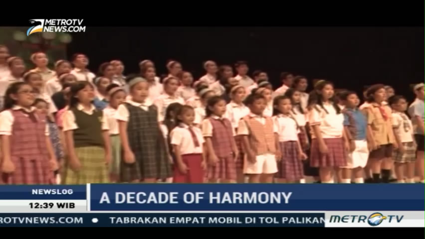 Behind the Scene A Decade of Harmony (2)