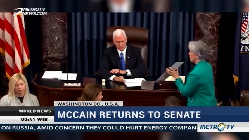 McCain Returns to Senate As Republicans Salvage Obamacare Repeal Effort