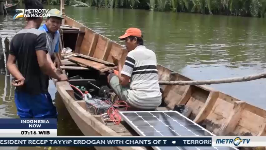 Solar Powered Motor Boat